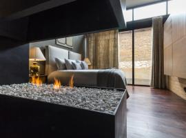 Uvence Arte + Hotel