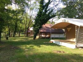 Camping La Turelure, Узе