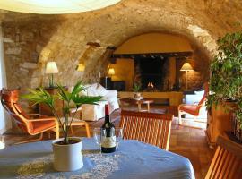 La Colle en Provence Main House, Sigonce (рядом с городом Cruis)