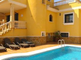 6 Bedroom Luxury Villa with Private Pool, Algorfa (Ciudad Quesada yakınında)