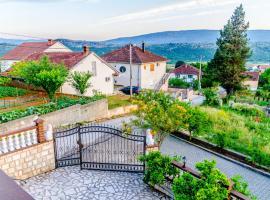 Sunny Apartment with swimming pool Stolac, Stolac (Prenj yakınında)