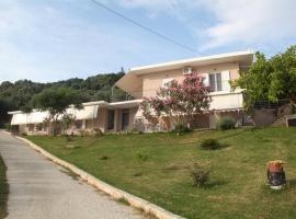 Akrothalassia, Ligia (рядом с городом Paralia Vrachou)