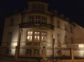 Appartement indépendant dans grande maison de maître