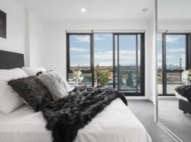 Luxury with Amazing Views - Elsternwick - Cafes, Melbourne