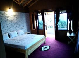 Luxurious grassland view stay, Binsar, Binsar