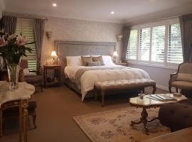 Villa d'Amour at Maison Belle Retreat, Mount Dandenong (The Basin yakınında)