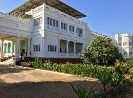 Dowlat Villas Palace-The Heritage, Himatnagar (рядом с городом Dhansura)