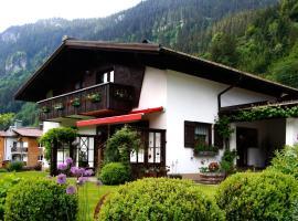 Haus Bitschnau, Klösterle am Arlberg (Langen am Arlberg yakınında)