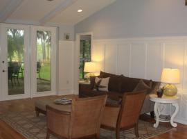 Beautiful Riverfront Home - Three Bedroom Home, Merritt Island (in de buurt van Cocoa)