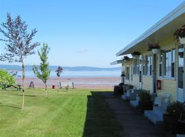 Beach Breeze Motel, Grand pré
