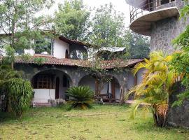 Chalet Rick, San Lucas Tolimán (рядом с городом Agua Escondida)