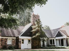 Luxury Estate on 500 Acres with Historic Ties to ND, Niles (in de buurt van Berrien Springs)