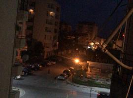 Kevin's Apartment 100m from the Beach, Durrës (Arapaj yakınında)
