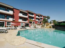 Topazio Mar Beach Hotel & Apartments