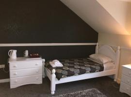 Lake Lounge Rooms, Littleborough
