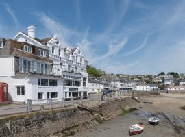 Ship and Castle Hotel, Saint Mawes