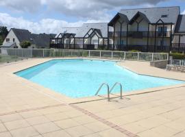 le pouldu piscine et plage, Клоар-Карноэ (рядом с городом Le Pouldu)