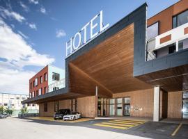Hwest Hotel