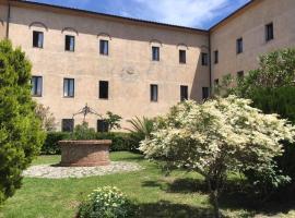 マッサ・マリッティマのホテル