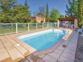 Six-Bedroom Holiday Home in Villars, Villars (рядом с городом Сен-Сатюрнен-д'Апт)