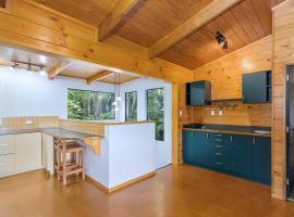 Timber Lodge - Motuoapa Holiday Home