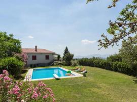 Luxurious Garden Pool Villa