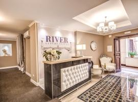 River Luxury Suites