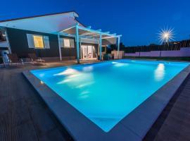 Villa Dream House with pool and sauna, near Rovinj, Matohanci