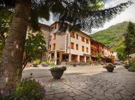 Hotel Llacs De Cardos, Tavascan (рядом с городом Lladorre)