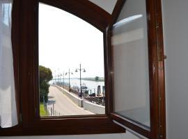 Delta Po - Appartamento con vista, Porto Levante (Isola Albarella yakınında)