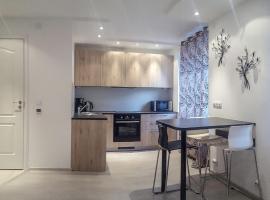 LUX Apartment 2