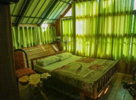 Tree house with a green view in Wayanad, by GuestHouser 60236, Muthanga