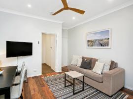 Two Bedroom Beachside Apartment - CLOV4