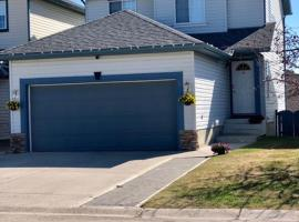 3 Bedroom House in Calgary, Calgary (Millarville yakınında)
