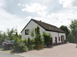 "Das Eifelkrimi-Ferienhaus ""An der Linde"", Berndorf (Wiesbaum yakınında)"
