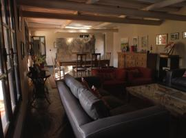 Beautiful room in Chacras de Coria