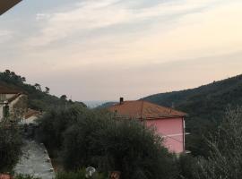 ampio e luminoso trilocale, Villa Faraldi