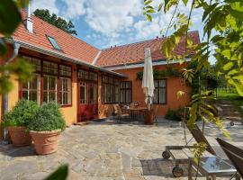 Villa Tranquillini, Schwarzau am Steinfelde (Near Frohsdorf)