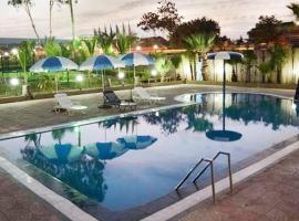 Hotel Vegas, Shirwal (рядом с городом Nasrāpur)