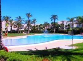 Piso con jardin y piscinas en Puerto Rey, Los Amarguillos