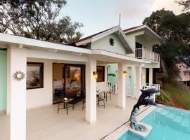 Villa Delfin @ Ahau Beach Villas, Guanaja