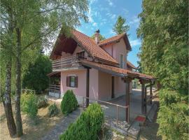 Three-Bedroom Holiday Home in Tuheljske Toplice, Tuheljske Toplice (рядом с городом Mala Erpenja)