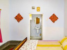 Room in a homestay in Kolkata, by GuestHouser 14198, Калькутта (рядом с городом Hābra)