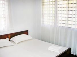3-BR villa in Jalukonibari, Mangalore, by GuestHouser 21141, Suratakal (рядом с городом Mūlki)