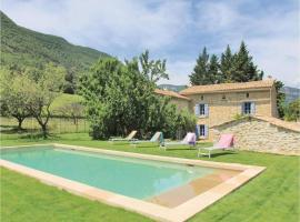 Five-Bedroom Holiday Home in La Roche St Secret, Le Péage (рядом с городом Montbrison-sur-Lez)