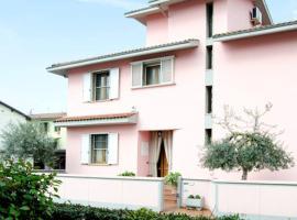Toscany Villa, Gavena