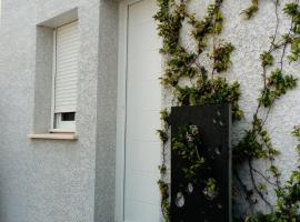 Maison tout confort, Claret (Near Pompignan)