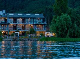 Luguhu Chunshu Lake View Guest House, Ninglang (Ningli yakınında)