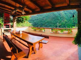 Casa Loghetto, the perfect Family Getaway, Seravezza (Riomagno yakınında)