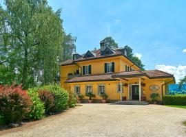 Hotel Villa Rainer, Pörtschach am Wörthersee (Reifnitz yakınında)